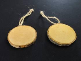 Petits rondins de bois pour la déco de table