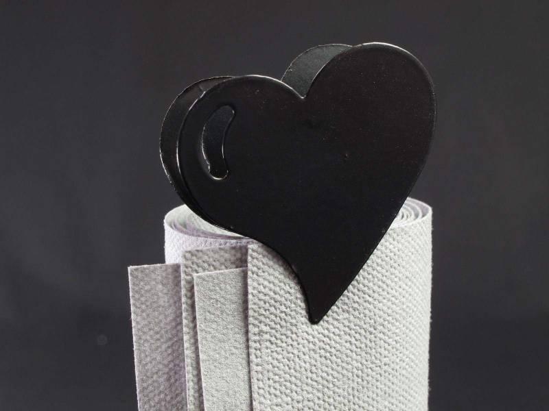 Coeur métal sur pince - Noir