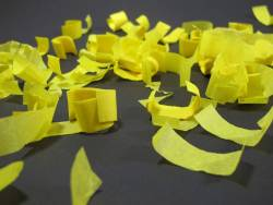Petit Canon à confettis - Jaune