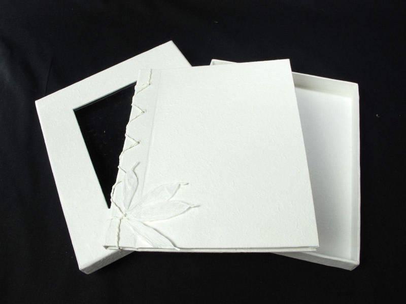 Livre d'or en papier mâché - Blanc