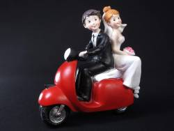 Figurine pour mariage - Couple sur scouteur 17x17cm