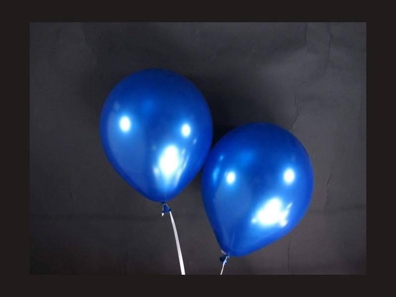 100 ballons métallisés Fête et Mariage Bleu Roi Ø12cm