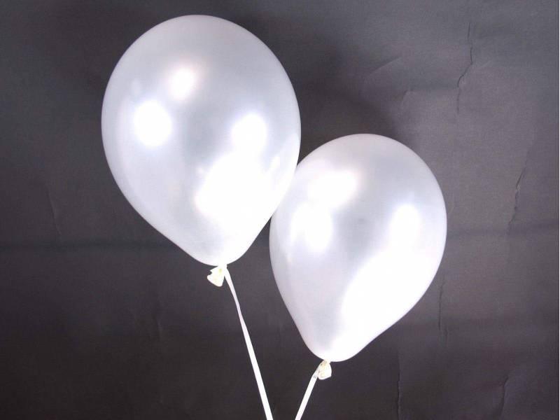 50 ballons métallisés Fête et Mariage blanc Ø30cm