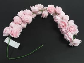 Petite guirlande de roses roses pour la déco de table