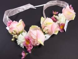 Petite guirlande de roses et fleurs pour la déco de table