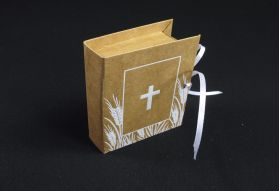 Ballotin à dragées livre havane avec croix pour communion
