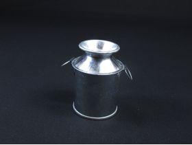 Petit pot à lait en métal Ø5cm