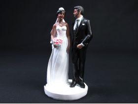 Couple de mariés de couleur – Marié barbu