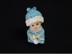 Figurine bébé biberon déco baptême bleu