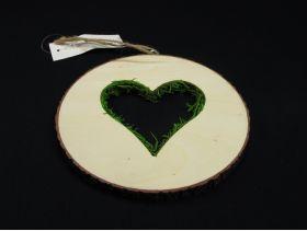 Rondin cœur avec mousse à suspendre de 15cm