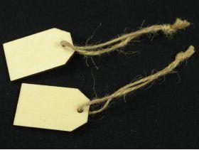 Etiquette bois et ficelle naturelle à suspendre 2,5x4cm