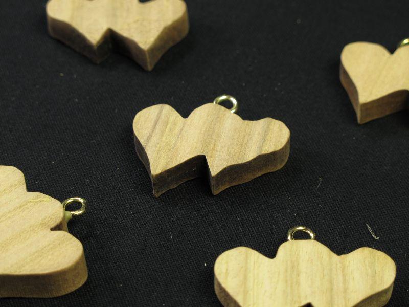 Coeur double bois boucle dorée pour déco de mariage et fête